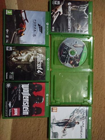 Bakı şəhərində Xbox one s.