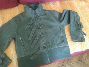 Jaknica-bela-postavljena - Srbija: Sivo maslinasta jaknica do struka, od kepera,postavljena,gotovo