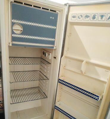 Продаю советский холодильник в хорошем состоянии гарантия есть уступка