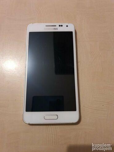Upotrebljen Samsung Galaxy Alpha 32 GB bela