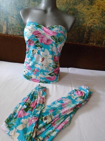 Letnje pantalone - Srbija: Tegljiv i vrlo prijatan za nošenje komplet, top sa sunđerima u grudima