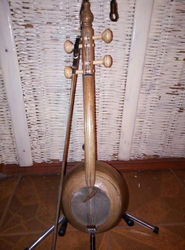 Другие музыкальные инструменты в Азербайджан: K amançalar əla vəziyyətdə iri çanaq qoz agacı təzə smeçok və çexol