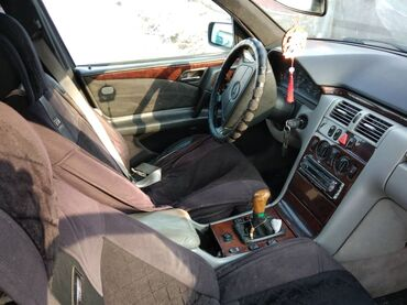 Mercedes-Benz 2.3 л. 1995