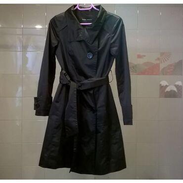 Καπαρντίνα μαύρη Zara Νο.SmallΗ καπαρντίνα μπορεί να μην έχει φορεθεί