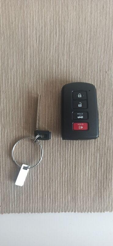 Другое - Кыргызстан: Продаю ключ (оригинал) от Toyota Camry 50