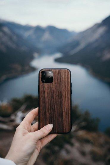 IPhone maska/futrola izradjena od prirodnog drveta oraha i tresnje