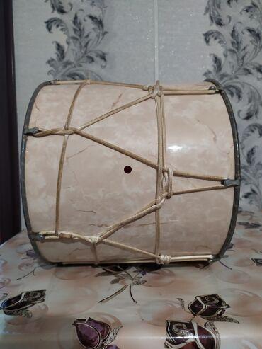 Барабаны - Азербайджан: Profesional nağara satılır az işlenmiş yaxşı veziyetde futlyarla