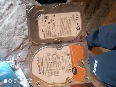 купить-хард-диск в Кыргызстан: Жесткие диски (хард диск) один из них 500 гб, другой 250 гб. Цена за