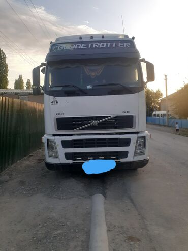 Volvo 460 2002
