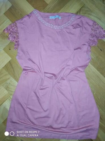 Zenske majice samo 800 din Velicine S,M,L,XL