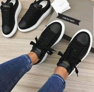 Ženska patike i atletske cipele   Surdulica: Alexander Mcqueen crne ponovo na stanju u svim brojevima❤ 2500 din