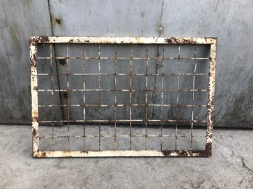Продаю решетку (длина -93см., ширина-61см). Цена -250 сом. в Бишкек