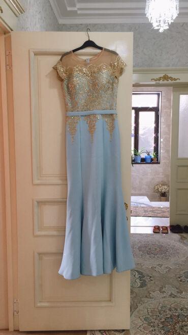 Платье,одевалось один раз