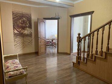 Продается квартира: 4 комнаты, 136 кв. м