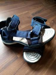 Par puta nošene i kao nove Geox sandale. Veličina 36. - Ruma