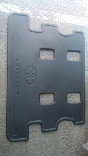 Полик в багажник : L-C 200. 5г. Оригинал. Цвет- черный. #полики#