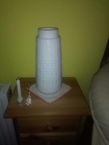 Prelepa bela vaza w.germany,vidi slike,ko se razume ,dovoljno - Sombor