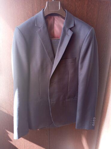 Мужской костюм можно как свадебный классика одевали 1 раз  Размер 46