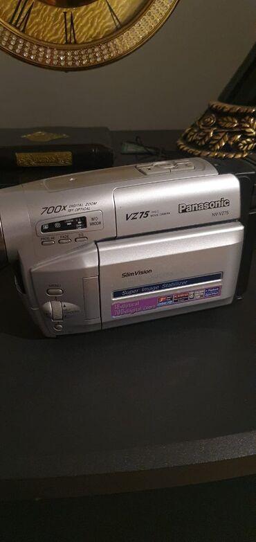 Panasonik videokamera. Yeni kimidir, cəmi 3-4 dəfə işlənilib. Hec bir