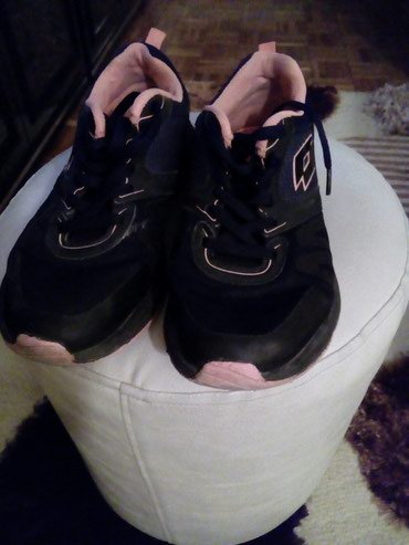 Ženska patike i atletske cipele | Loznica: Nosene,ocuvane