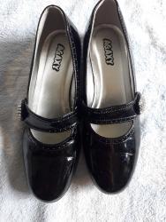 """Cipele nisu - Srbija: """"Agaxy"""" - broj 32, cipele iz Švajcarske, crne, lakovane, obučene"""