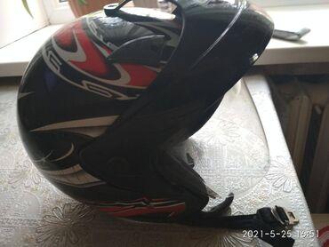 Продаю мото шлем в отличном состоянии.цена 2500 сом