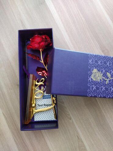 qizil klonlar ve qiymetleri в Азербайджан: Hediyelik suvenir qızıl gül karobkasi ve sumkasi var