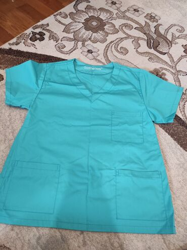 Срочно Хирургический халат новый 46-48 размера, мне большой