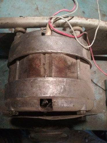 Продаю электро двигатель, находится в Кемине в Кемин