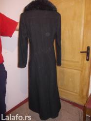 Stoji lepo - Srbija: Vrlo lep dugacak kaput vel 38Strukiran je i prelepo stojiVrlo malo
