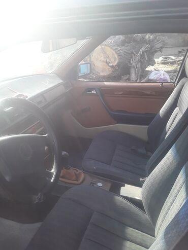 Mercedes-Benz 220 2.5 л. 1993 | 11111 км