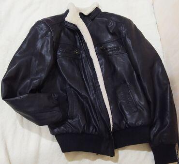 Кожаная теплая куртка. 800 сом