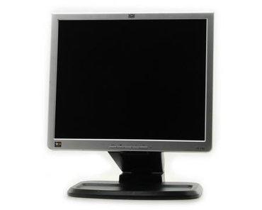 телефон флай 17 в Азербайджан: 17 diaqonal HP monitorislek veziyyetdedir say vardir real alicilar