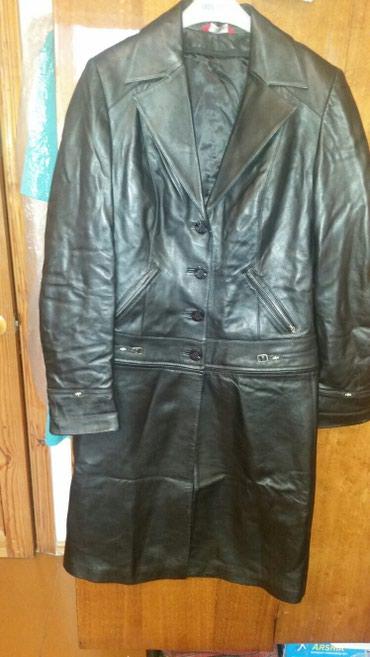Плащи в Кыргызстан: Продаю кожаные плащи в нормальном состоянии. размер L. пр -во Турция