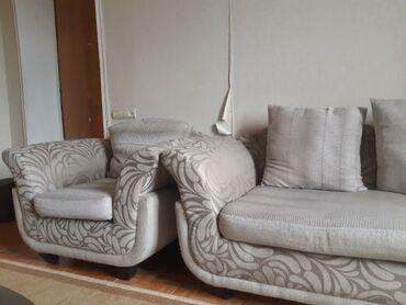 2 kreslo divan Divan açılmır,baza yoxdu.Sifarişlə yığılmadı.Qiymət:220
