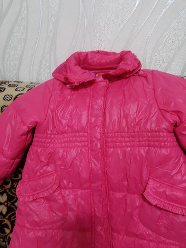 детская куртка для девочки 5 6 лет в Кыргызстан: Детская куртка. Еврозима. В отличном состояние 5-6 лет