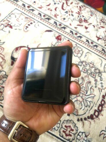 u z i в Кыргызстан: Б/у Samsung Z Flip 256 ГБ Черный