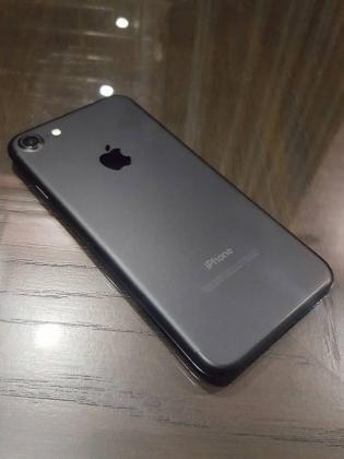 Срочно!  Продаю iPhone 7 128GB Black, привезён из США.  Не в Бишкек