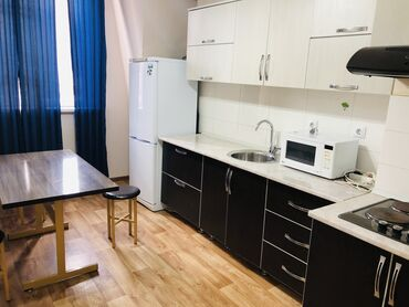 Недвижимость - Беш-Кюнгей: Элитка, 2 комнаты, 74 кв. м Бронированные двери, Видеонаблюдение, Лифт