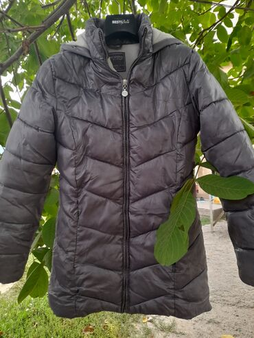 Куртка на осень terranova и начало зимы,веснуКачество, состояние