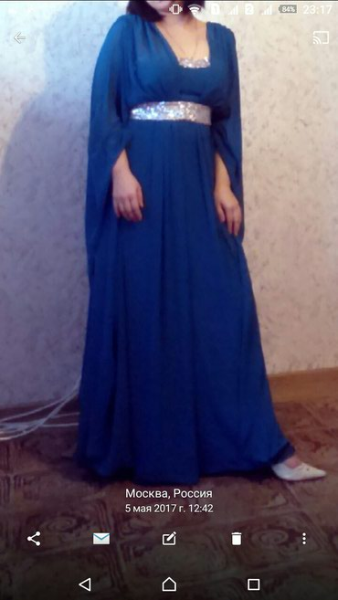 зеленые шузы в Кыргызстан: Совсем новая Платья .Купила 18000руб. Размер.44/46 _Свет