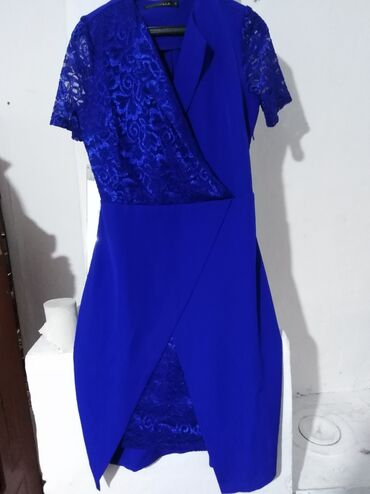 деловые платья для полных в Кыргызстан: Продаю платье 44 размера. 350 сом