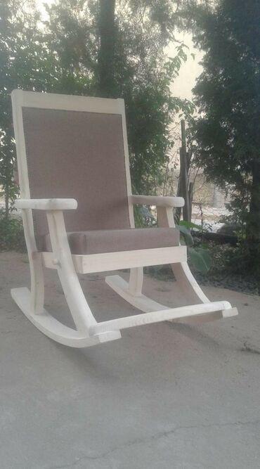 Kuća i bašta - Kragujevac: Stolica za ljuljanje puno drvo izrada po narudzbini. Tel 061 22 70