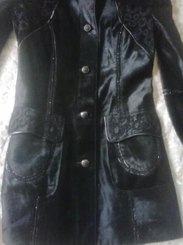 Женские куртки в Ак-Джол: Срочно Продаю кожаную куртку б/у состояние отличное прошу