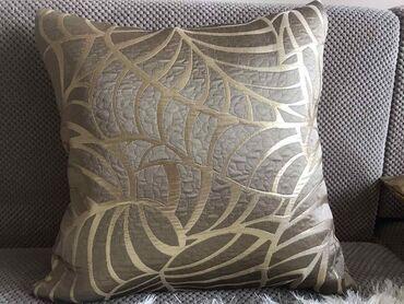 Dekorativni jastuk. Hit cena 650 din