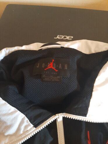 Duks haljina - Crvenka: Duks Jordan Nike .vel Xl .suskava jaknice na raskopcavanjelepo