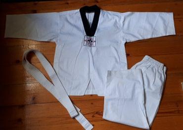 Bakı şəhərində Taekwondo paltari 8-10 yas ucun. Defekti yoxdur