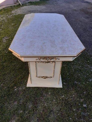 Tək masa 240m.Material- mdf, boya maşın boyası. Sifarişlə hazırlanır