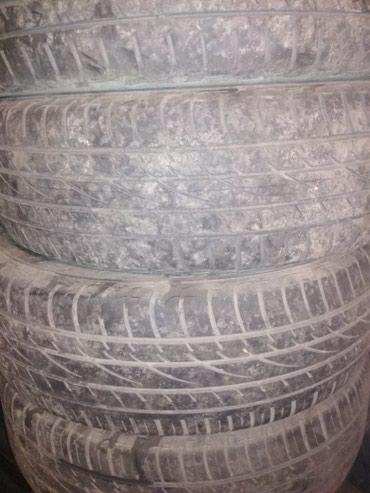 распродажа летних вещей в Кыргызстан: Продаю комплект летних шин на 235,65,17 в хорошем состоянии без шишек