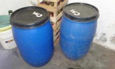 Prodajem plava plasticna burad za komine i slicno - Vranje